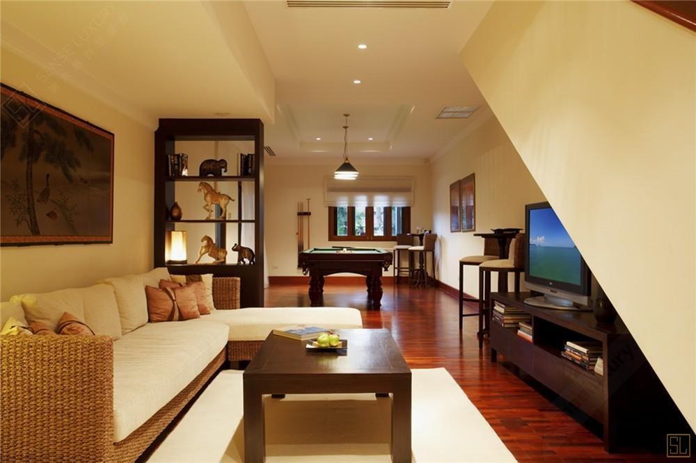 泰國普吉島翠湖山莊14號別墅客廳內景
