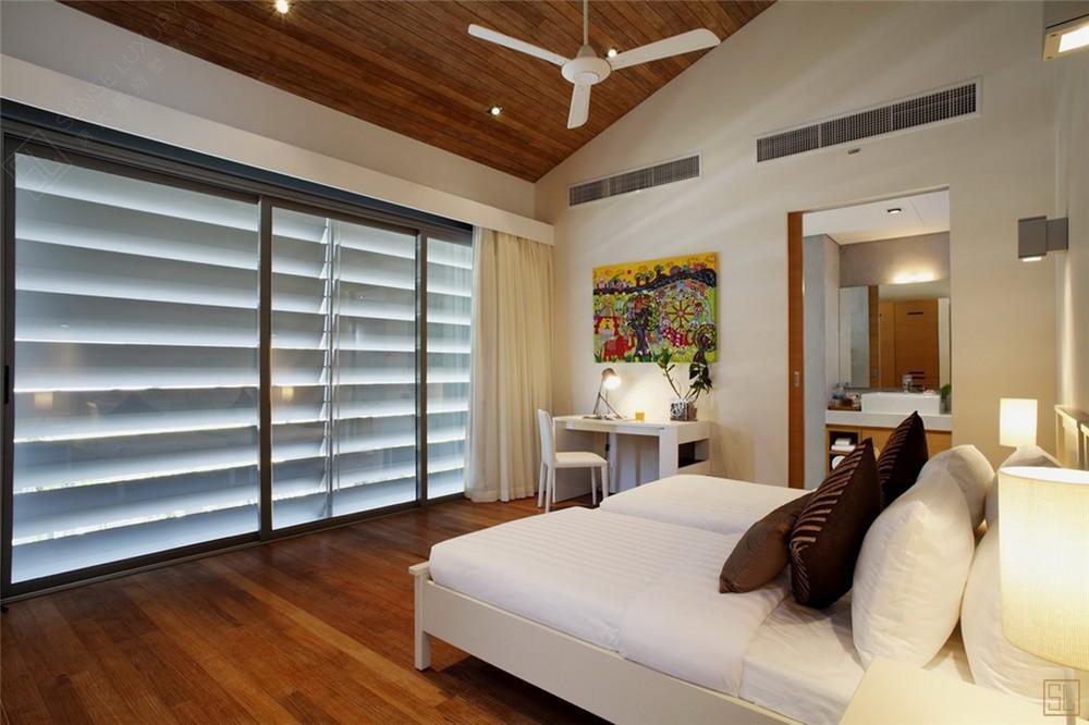 泰国普吉岛夏尔别墅卧室
