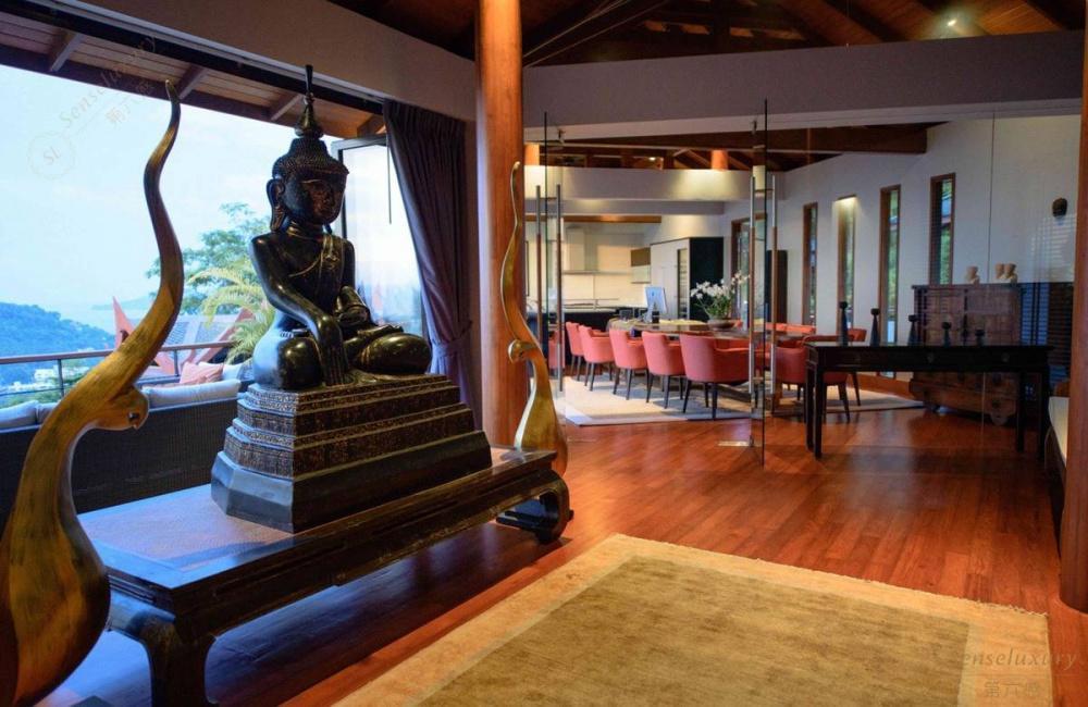泰国普吉岛瑞卡塔湾别墅 餐桌