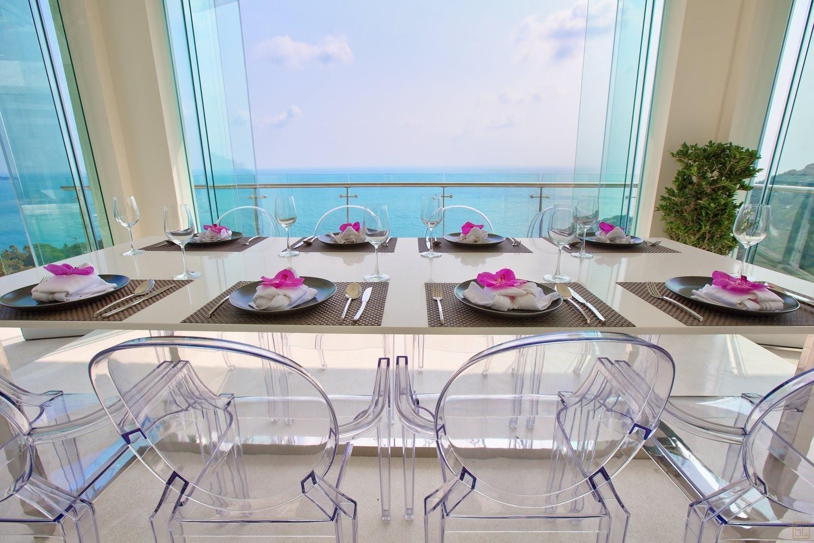 泰国苏梅岛萨瓦蒂别墅长桌