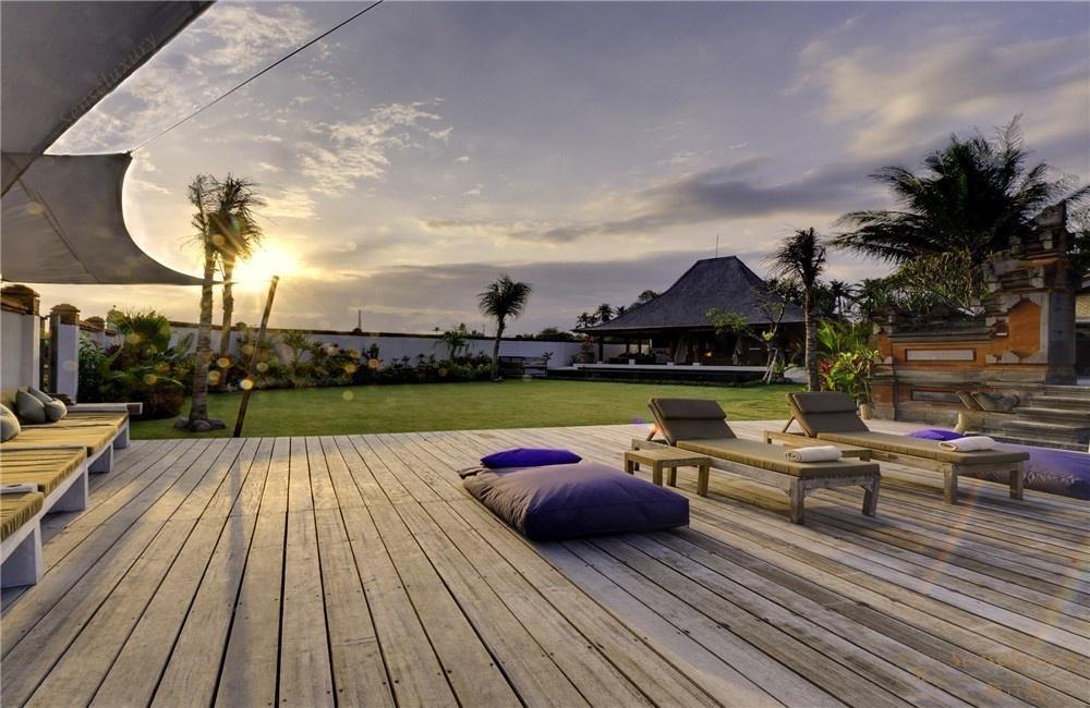 印尼巴厘岛玛雅海滨别墅庭院